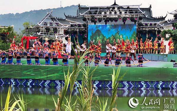 """人民网:""""壮族三月三·八桂嘉年华""""主会场活动在广西民族博物馆举行"""